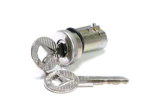 65-66 TRUNK LOCK CYLINDER - WITH KEYS
