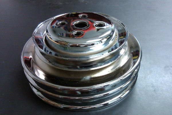 66-68 - 3 GROOVE WATER PUMP PULLEY - CHROME