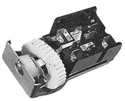 72-73 HEADLIGHT SWITCH